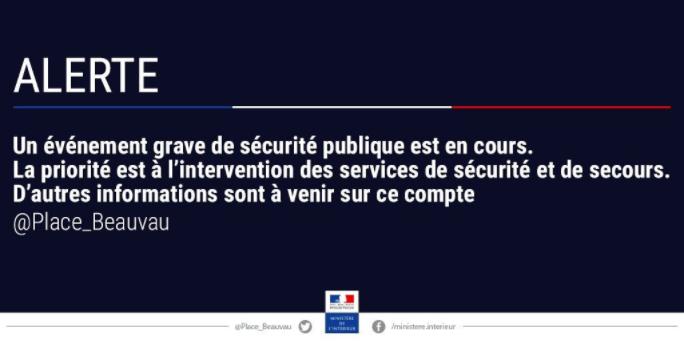 Evénement grave de #sécurité publique en cours à #Paris quartier du #Louvre